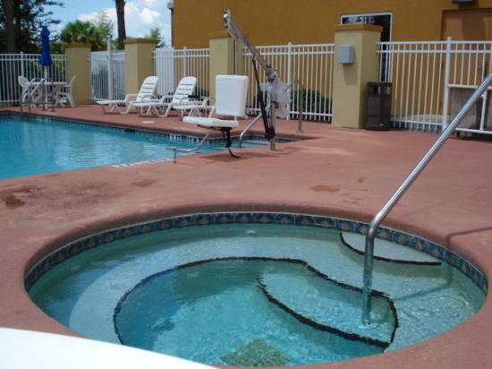 comfort suites orlando airport updated 2017 prices. Black Bedroom Furniture Sets. Home Design Ideas