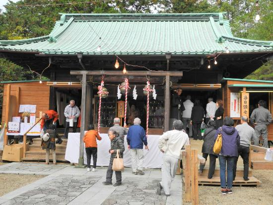 ‪Nishinomiya Shrine‬