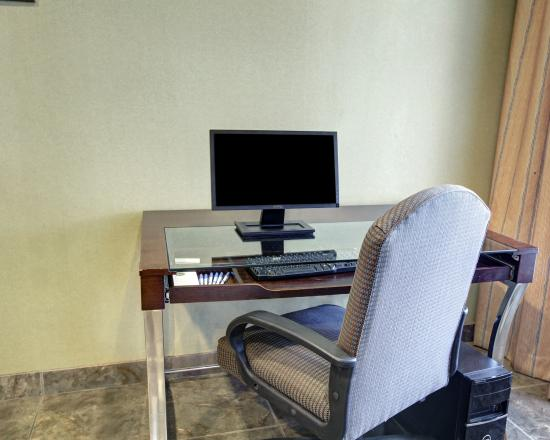 Comfort Inn and Suites: TXBBCenter
