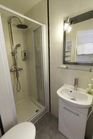 Hotel Le Divona: salle de bains  douche