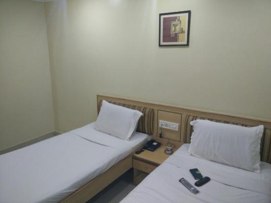 Hotel Hans Residency