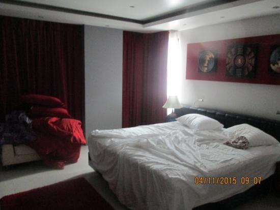 Absolute Bangla Suites: Спальня