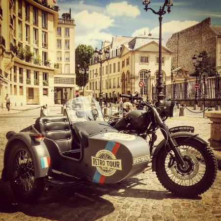 Retro Tour Paris