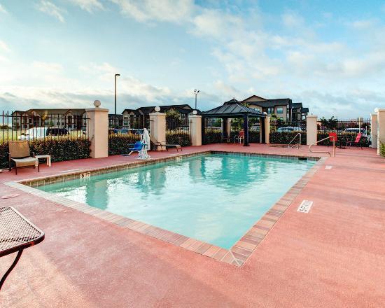 Comfort Suites Waxahachie: Pool