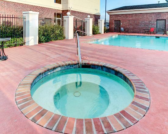 Comfort Suites Waxahachie: Hot tub