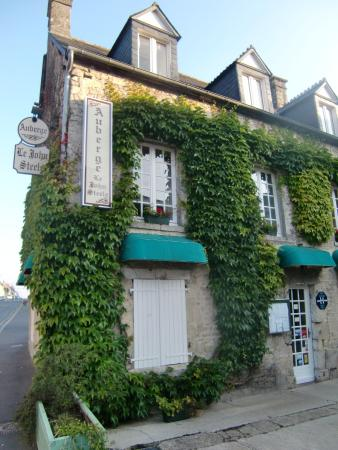 auberge le john steele updated 2017 hotel reviews sainte mere eglise france tripadvisor. Black Bedroom Furniture Sets. Home Design Ideas