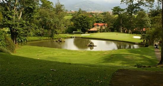 Tee Times Costa Rica Golf Tours: Cariari CC 4th hole