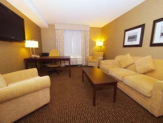 The Kanata by BCMInns : Business Suite