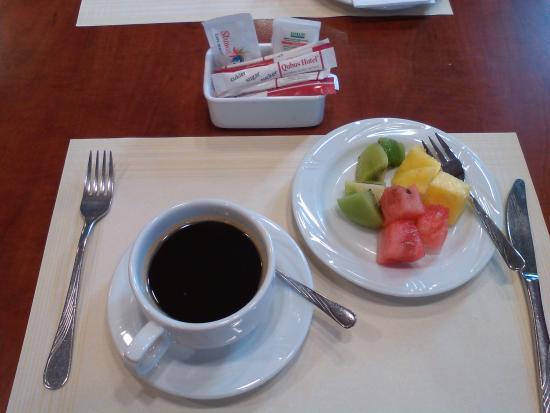 Qubus Hotel Gliwice: Фрукты на завтрак :)