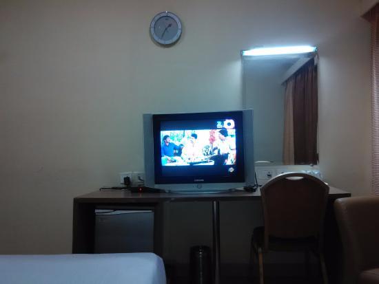 Hotel Sitara Grand Kukatpally: TV