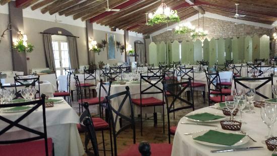 Comedor de menu - Picture of Restaurante Villa Marcilla, Marcilla ...