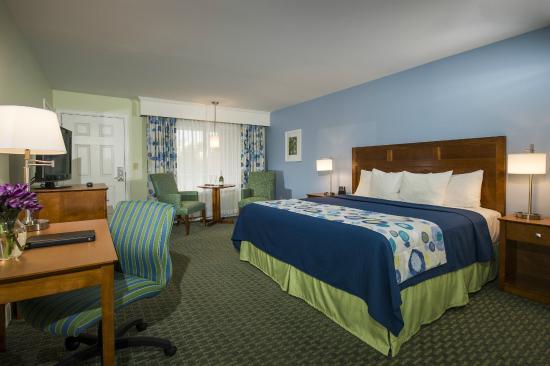 The Milestone: Premium Room with One King Bed