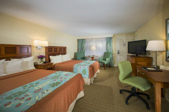 The Milestone: Deluxe Room with Two Double Beds