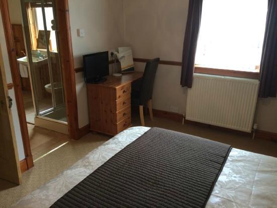 Fernlea Guest House: Double Bedroom with En-suite