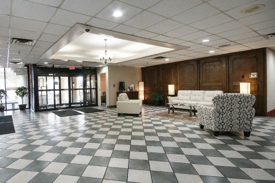 Clarion Hotel  E St St Indianapolis In