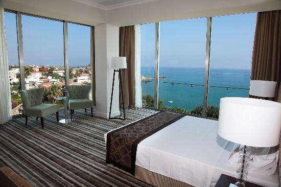Denizkizi & Denizkizi Royal Hotel: Deluxe Corner Room