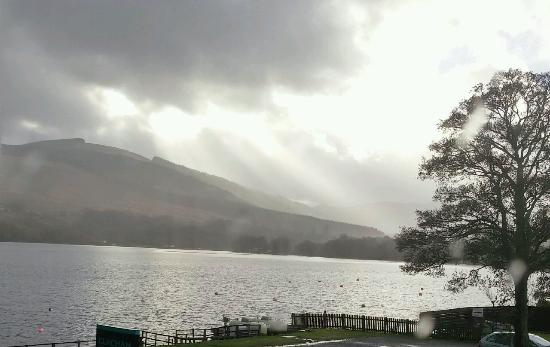 Lochearnhead, UK: Amazing view from Loch facing bedrooms