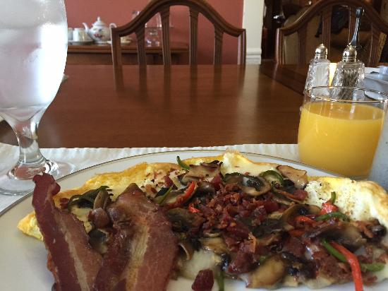 Mexico, MO : Breakfast made by Chef Vogel