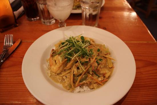 rocking v cafe thai curry with shrimps