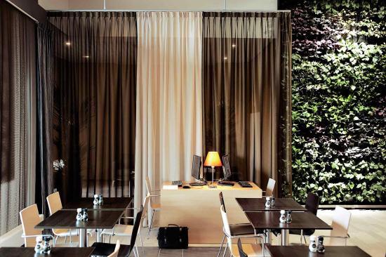 Ibis Leiden Centre: Interior