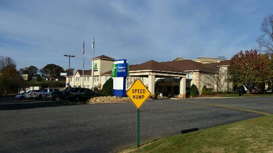 Holiday Inn Express Shelby: 20151116_091038_large.jpg