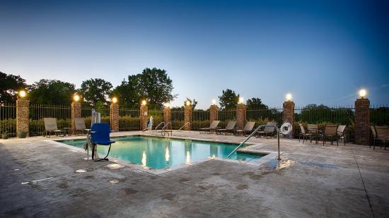 Madill, OK: Pool