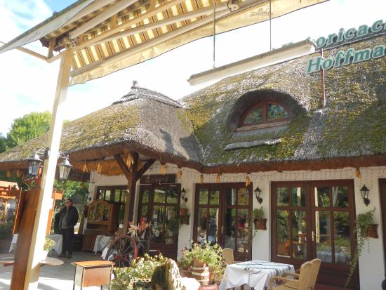 Balatonfoldvar, Ungarn: exterior main entrance