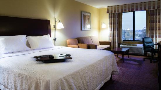 Hampton Inn Pendleton: King Study