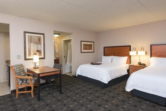 Hampton Inn and Suites Indianapolis - Fishers: Two Queen Studio Suite