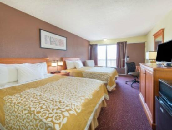 Days Inn Frankfort: Deluxe Room, Double Beds, Non-Smoking