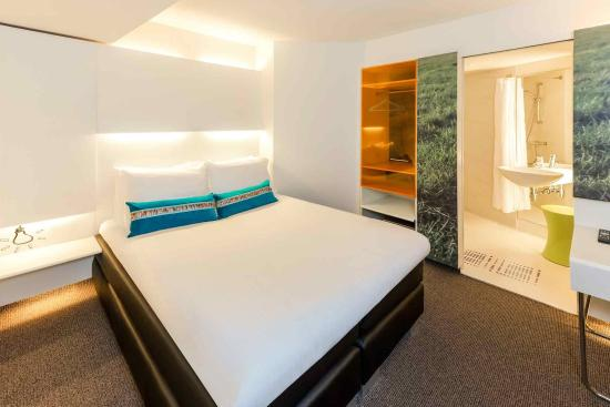 Ibis Styles Amsterdam Central Station: Guest Room