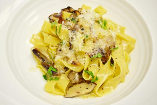 Sorellina: Fettuccine with Market Exotic Mushrooms and Truffle Butter