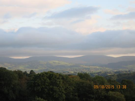 Llanwrda, UK: A view of the Brecon Beacons