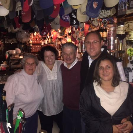 Dingle Pub: Great fun with the owner Tommy