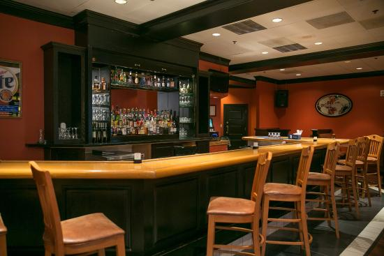 Radisson Hotel High Point: Bar/Lounge