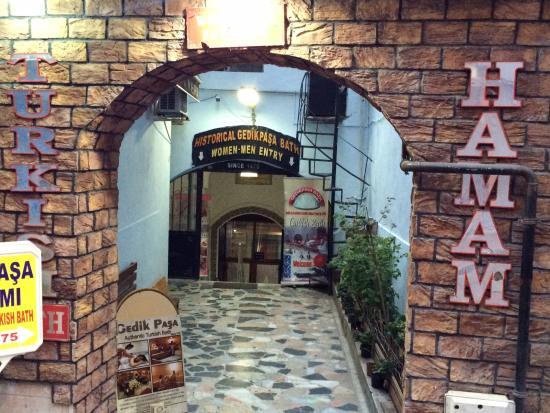 Gedikpasa Hamami : Entrance