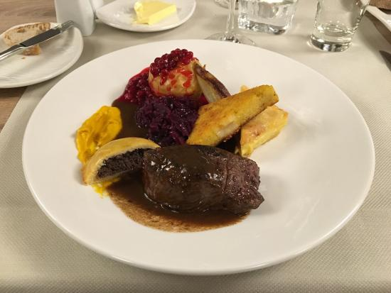 Le Jardin Restaurant : Hirsch Steak