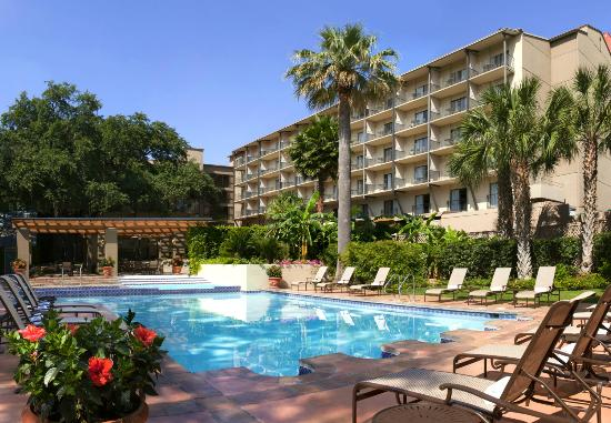 Marriott Plaza San Antonio: Outdoor Pool