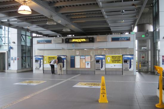 Ticket Machines Picture Of Seattle Light Rail Service