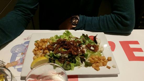 Deols, Francja: Salade morutiere et tarte aux épinards