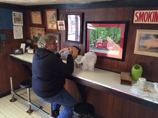 Gurley, AL: Interior of Mary's BBQ