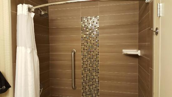 Shower - DoubleTree Suites by Hilton Orlando - Disney Springs Area Photo