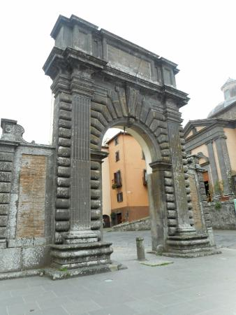 Bagnoregio, Italy: La porta Albana