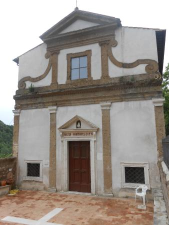 Civita Castellana, Italy: La facciata
