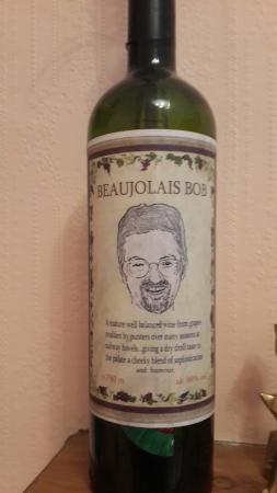 Rossmount Guest House : 在这里的愉快记忆, Robert头像的酒瓶!