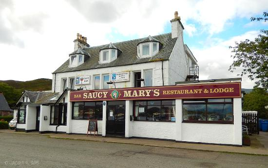 Witchwood House : Saucy Mary's - Pub next door