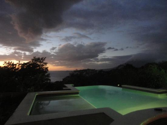 La Omaja Hotel And Restaurant: Evening views & relaxation