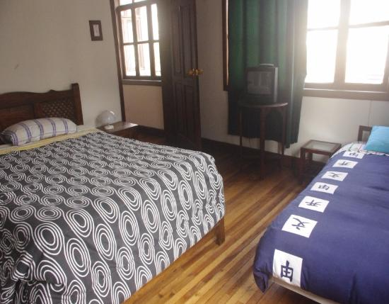 Villa Nancy Bed & Breakfast: habitaciones dobles y triples
