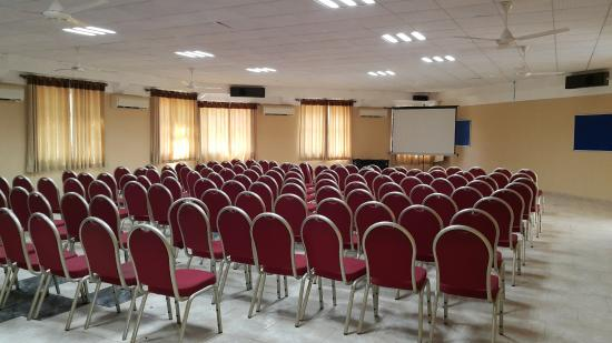 Hotel Oasis: CONFERENCE AND FUNCTION HALL