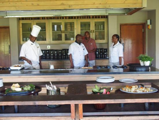 andBeyond Kichwa Tembo Tented Camp: Staff waiting on their lunch customers